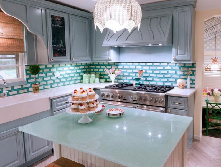 Classic Colorful Kitchen Ideas With Blue And White
