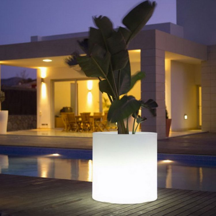 Recessed And Vanity Outdoor Lighting For Backyard Swimming Pool